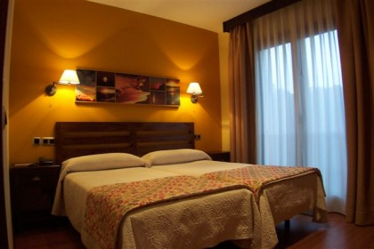 hab-para-dos-personas-bufon-de-arenillas-hotel-420x280 Escapada gastrónomica de la Harina y el Maiz de Llanes