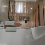DOUBLE ROOM WITH WHIRLPOOL BATHTUB
